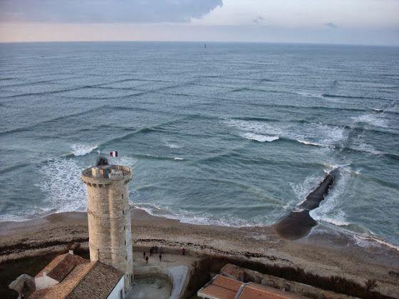 Η ΜΟΝΑΞΙΑ ΤΗΣ ΑΛΗΘΕΙΑΣ: Το περίεργο φαινόμενο Cross sea – Όταν τα κύματα σ...