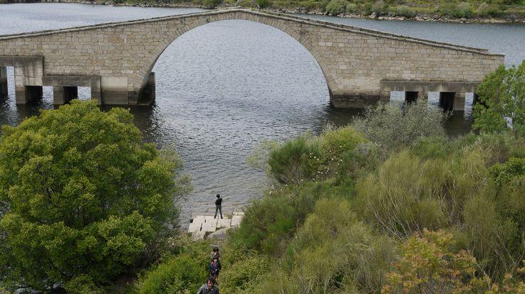 Otra foto del Pontón en el pantano de Guiijo de Granadilla, justo bajo el de Gabriel y Galán.