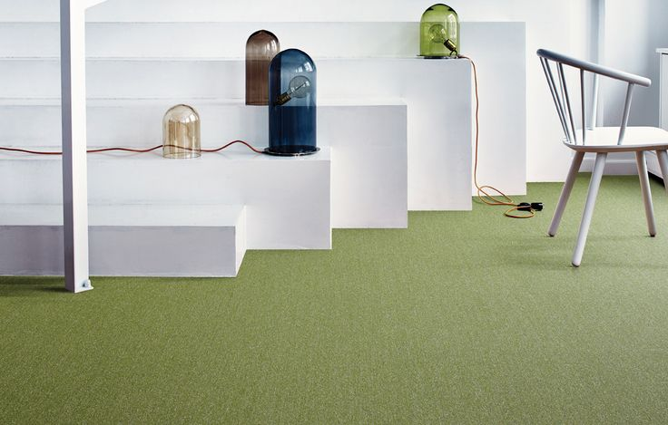 A seamless look for a broadloom-like appearance - but it's carpet tile. Twist & Shine Micro from Interface.