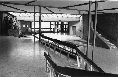 Marl Primary School: Circulation space between entrance and assembly hall.