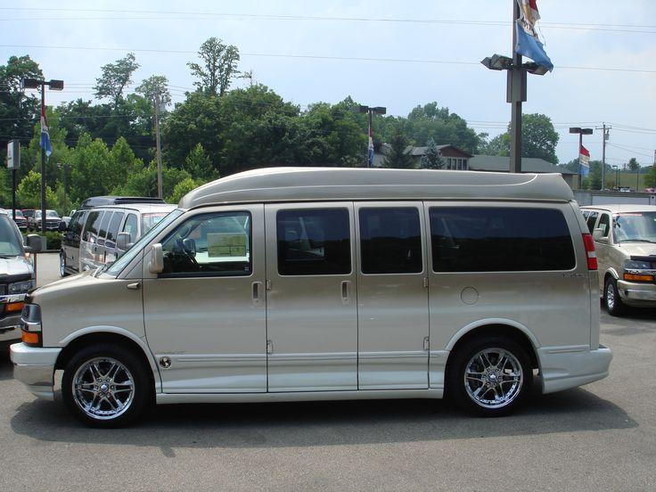 007 Custom Luxury Explorer Conversion Van 7 10 07 009 3264x2448 Pixels