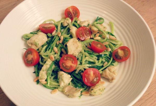 Courghetti met kip en pesto