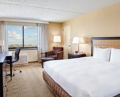 Hilton Hasbrouck Heights/Meadowlands Hotel, NJ - King Bed NYC View Guest Room   NJ 07604