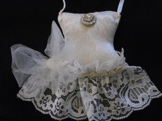 Ivory Lace Sachet, Party Dress Sachet