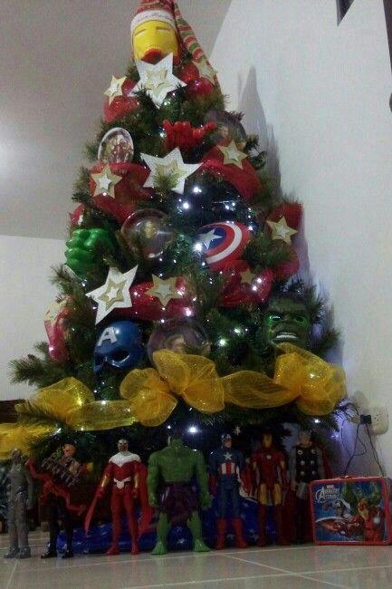 Arbol de Navidad super heroes para niños