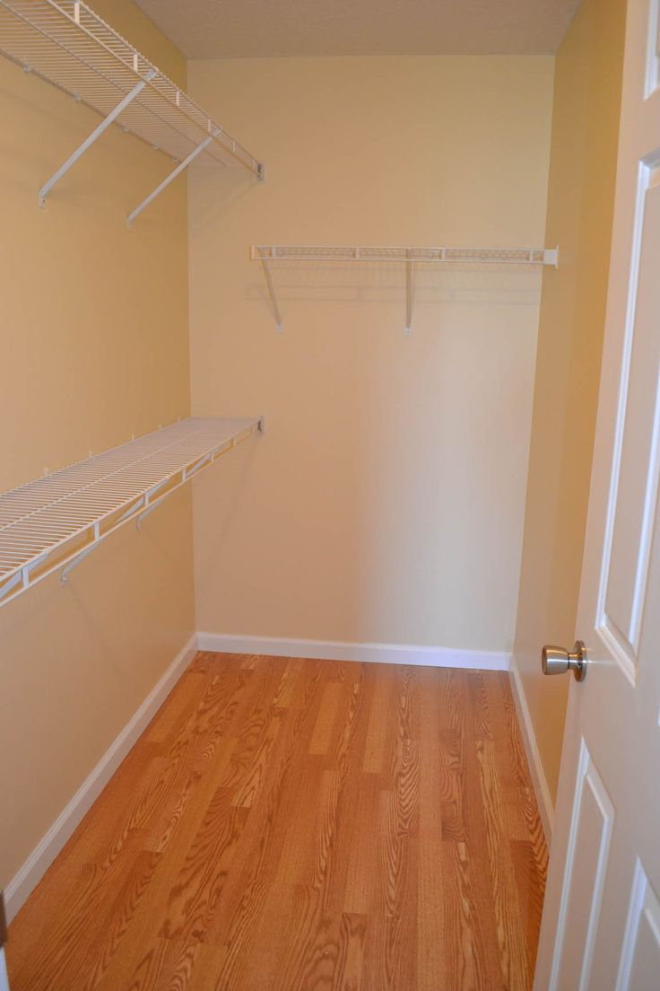 Walk in closet dimensions wood flooring and walk in Walk in closet measurements