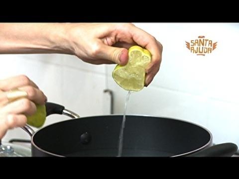 Meias fervidas em água e limão: Brancas outra vez.