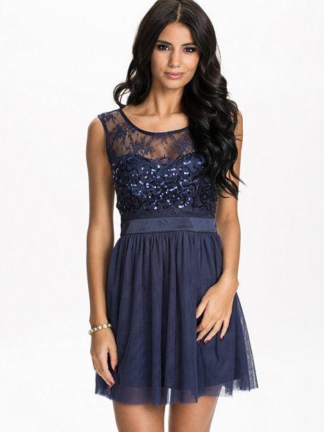 Sparkle Flare Dress - Oneness - Granatowy - Sukienki Wieczorowe - Odziez - Kobieta - Nelly.com