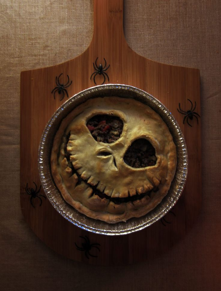 Pumpkin Season : Jack Skellington Pie Crust