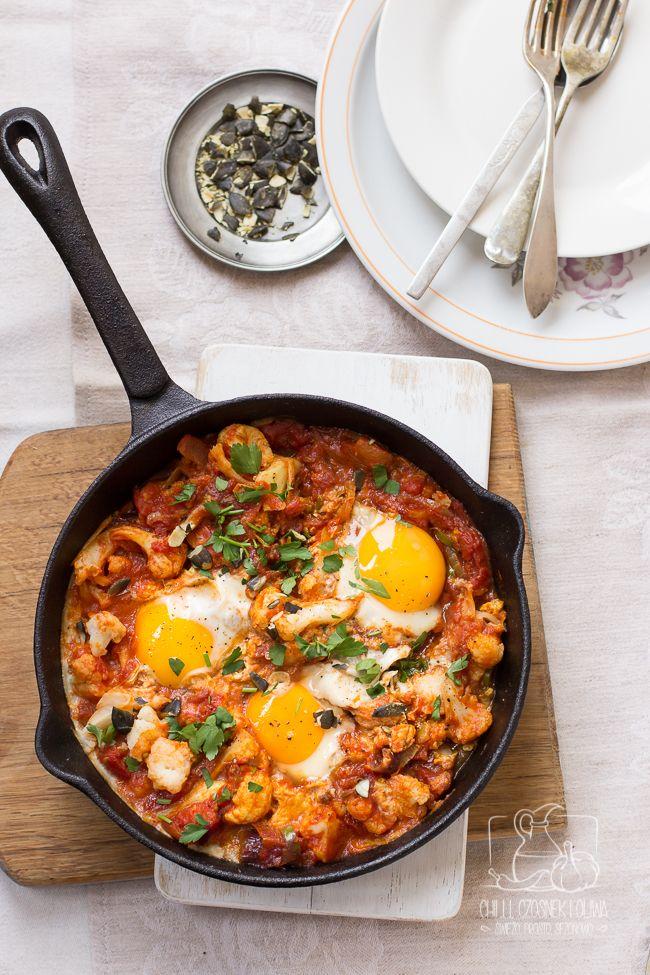 Chilli, Czosnek i Oliwa | blog kulinarny: Danie z jajem. Szakszuka kalafiorowa.