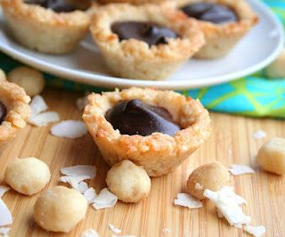 Chocolate Macadamia Coconut Tarts (low carb, gluten free, keto) | All ...