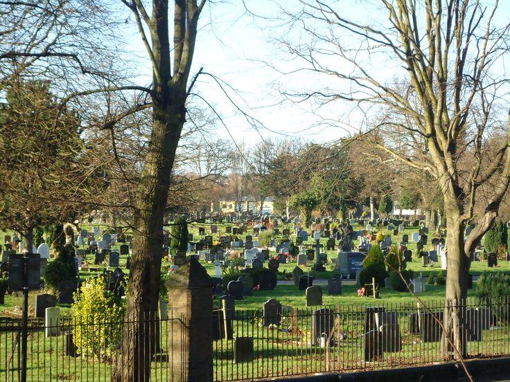 Es muy posible que hayas visitado Hyde Park, en Londres, sin saber que allí existe un cementerio de animales. Conócelo sólo por café y cabaret.