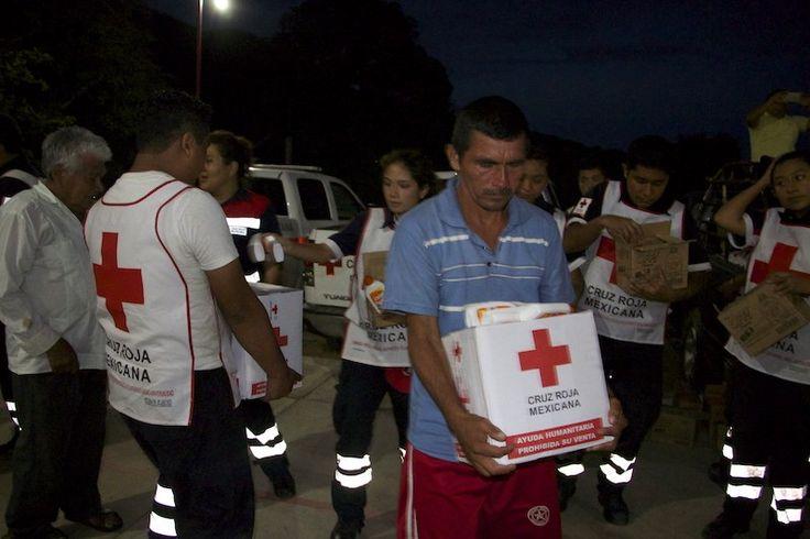 Llega a Tehuantepec apoyo humanitario de la Cruz Roja Mexicana