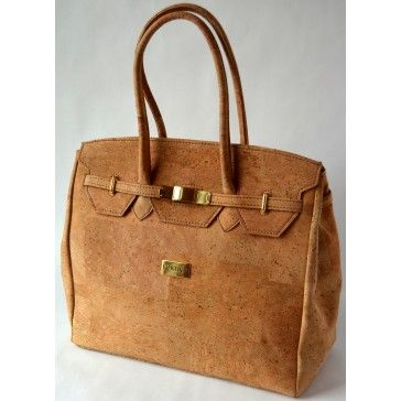 Kortica Brooklyn Cork Bag in Natural Cork Pattern! Perfect for summer. See link below to purchase