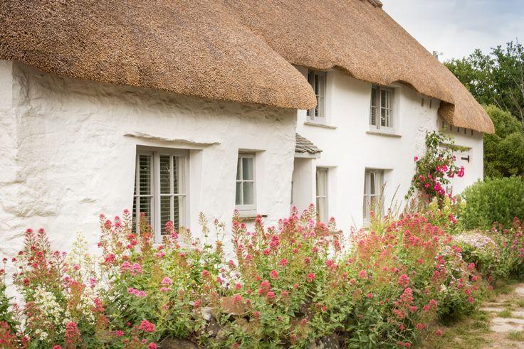 The Smugglers Coastal  Cottage;  Mullion, Cornwall
