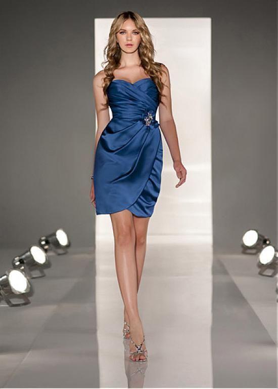 Chic Stretch Satin Sweetheart Neckline Knee-length Sheath Homecoming Dress