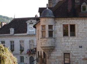 Cœur historique de Baume-les-Dames.  Joli petit bourg qui mérite de s'y arrêter. Passez à l'Office de Tourisme et demandez le guide pour en apprendre un peu plus sur le patrimoine.