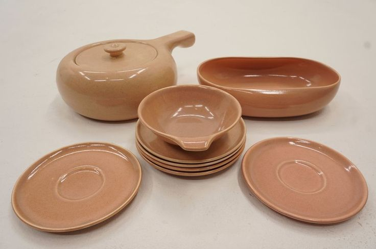 Lot of 9 pieces of coral dinnerware designed by Russel Wright for Steubenville in the late 30s-50s. All are in nice shape with little to no chipping, cracking or crazing. There is some variation to the color, possibly due to different ages of the pieces. | eBay!