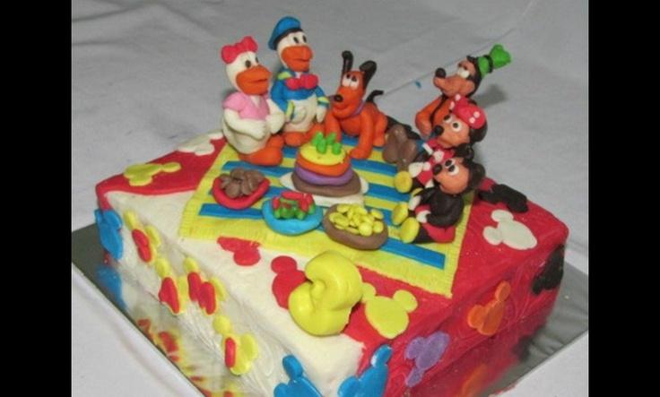 Kue ulang tahun Mickey Mouse, harga mulai 400.000 ukrn 18x18cm. Order via SMS 0856-1303 262, email to mandachioeshop@gmail.com