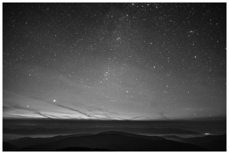 Bieszczady zachwycają także nocą! #Bieszczady #noc #niebo #gwiazdy / #mountain #night #sky #stars