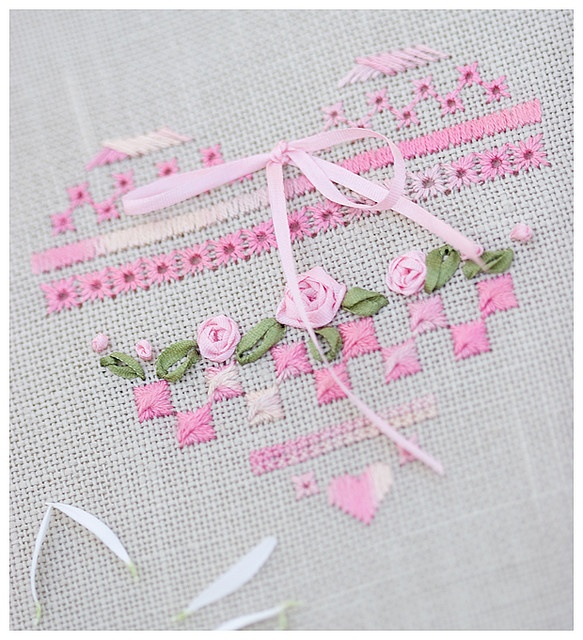 embroidery / Petit Coeur (Atalie) by loretoidas, via Flickr