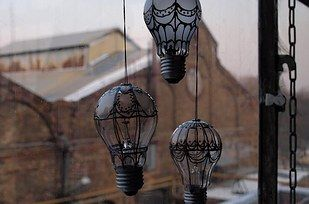Hot air balloon light bulb craft