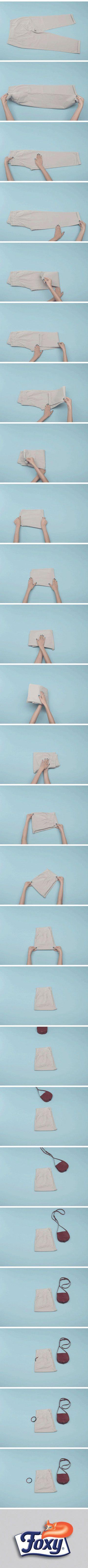 A casa vostra chi è che porta i pantaloni?   Chiunque sia, a fine giornata vanno piegati con cura.   Scopri qui come fare: http://www.foxymega.it/minimize/impara-tecnica-di-piega.php?id=Pantaloni  #minimizr #foxymega #pantaloni