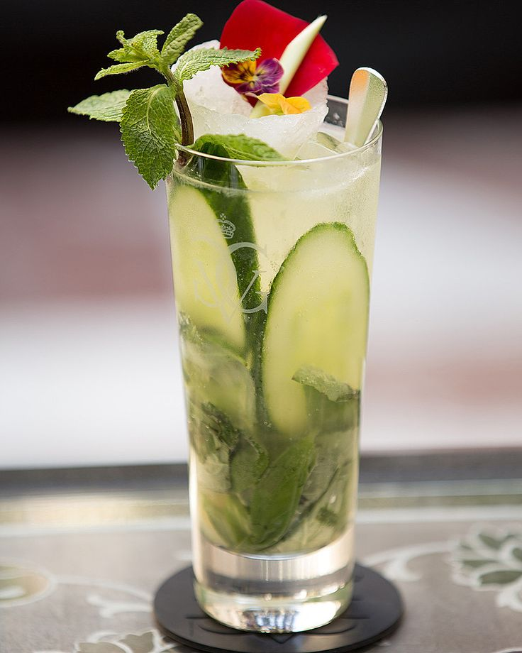 Hazac's Dream Lover martini combines thai lemongress, elderflower liqueur, gin, and cucumber into one extaordinary cocktail.  Click through for the recipe and two more incredible cocktails crafted by @FSParis.