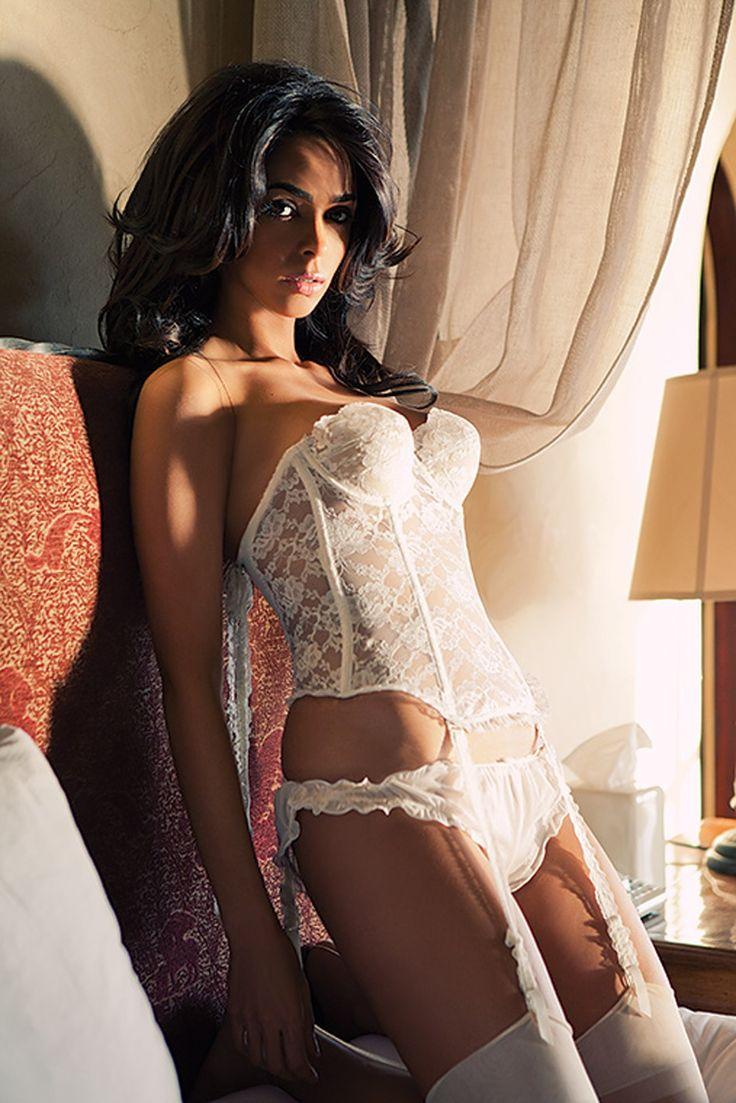 Mallika sherawat sexy naked body — img 4