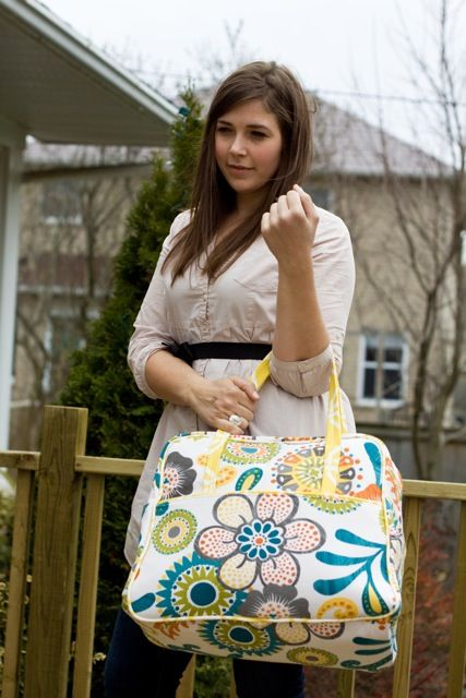 A Handmade Tale: Amy Butler's Weekender Travel Bag - A Review