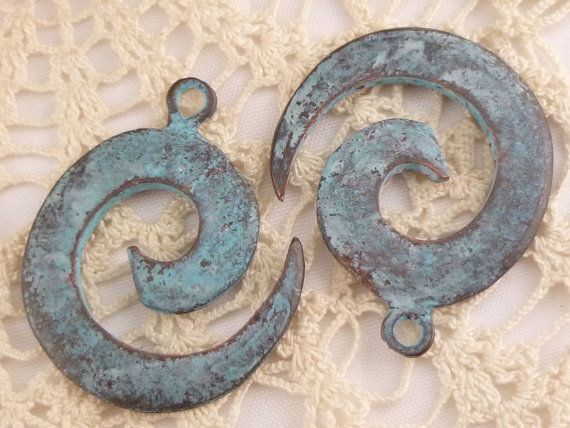 Rustic Patina Two Sided Labyrinth Disc Casting por BellasBeadHabit