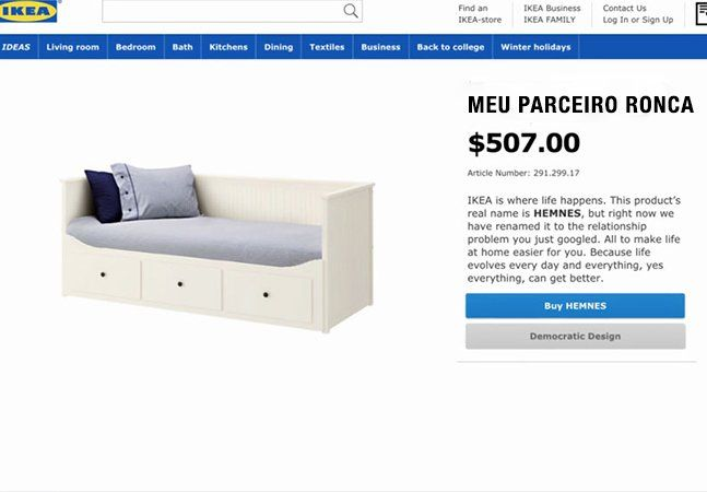 """As ações publicitárias mais simples costumam ser as mais efetivas, certo? É nisso que aposta a IKEA em sua nova campanha. Ao invés de gastar fortunas para criar um vídeo de natal arrebatador, como fez em anos anteriores, a empresa decidiu apenas renomear alguns de seus produtos de acordo com problemas de relacionamento pesquisados com frequência no Google da Suécia. Graças à campanha, """"ele não consegue dizer que me ama"""" se tornou um quadro negro, """"a atração se foi"""" virou um conjunto de ímãs…"""