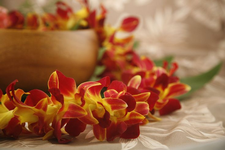 Hawaiian Wedding Gifts Traditional : The perfect gift for weddings, anniversaries and birthdays, the Yellow ...