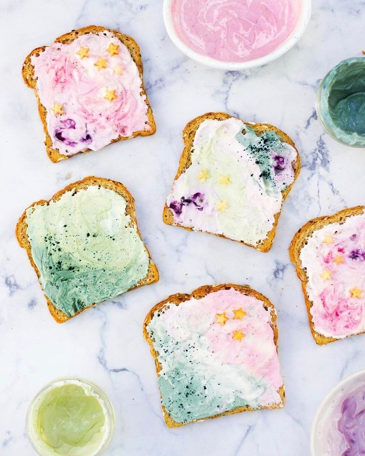 the most beautiful (and delicious) toast for spring!
