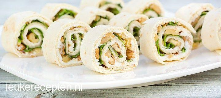 Leuk voor op een feestje of voor bij de high tea; tortillarolletjes met geitenkaas, walnoot, sla en honing