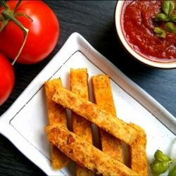 Ditch the potatoes & make these chickpea polenta fries! A nutritious, simple & tasty alternative to regular fries. You