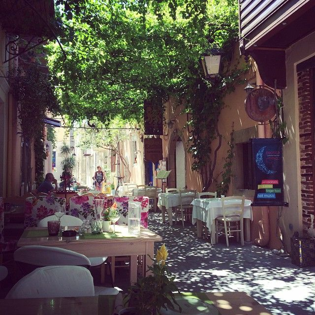 Lovely streets of Rethymnon #Rethymnon #greece #street #bar #lovely