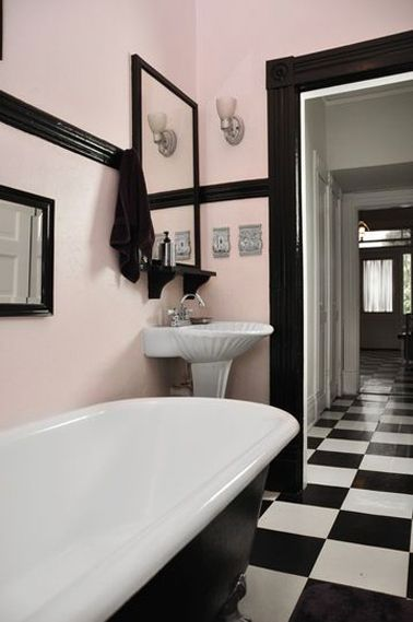 25 best ideas about pink black on pinterest pink for Relooker sa salle de bain