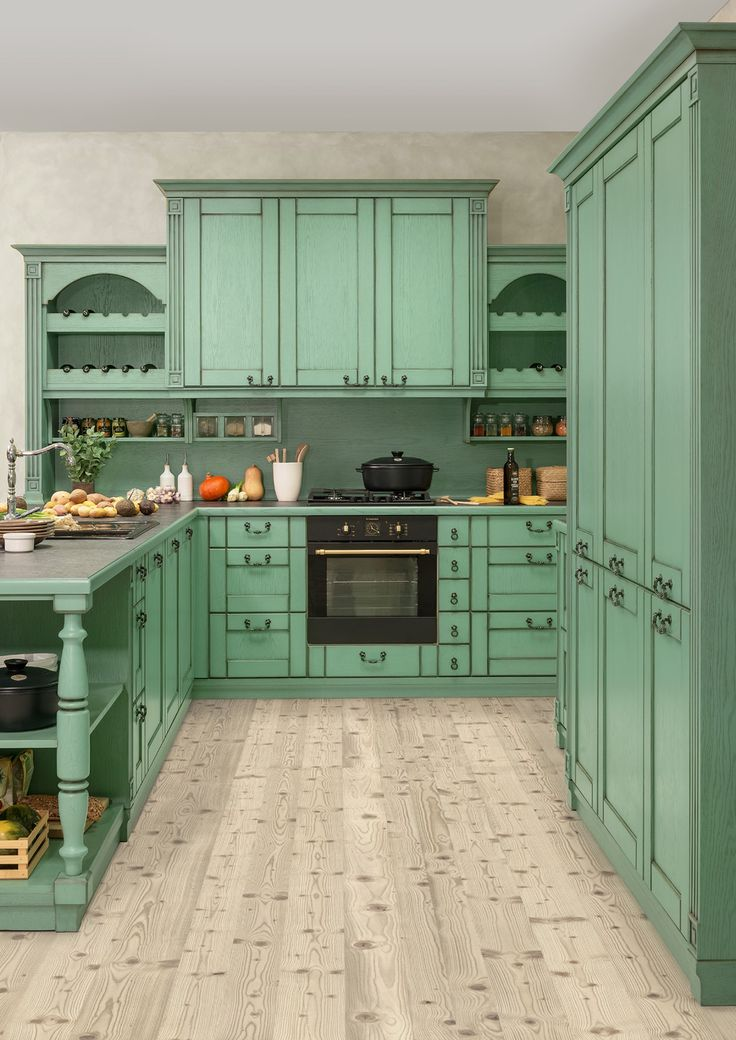 Rustikální kuchyně Hanák v zeleném tónu. Ruční patina přidá na kráse a dojmu starobylosti. Provence styl bydlení je nadčasový.