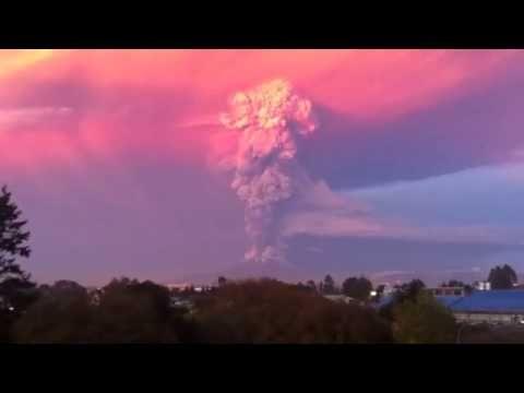 L'eruzione del vulcano Calbuco in Cile dell 22 aprile dopo 43 anni di inattività