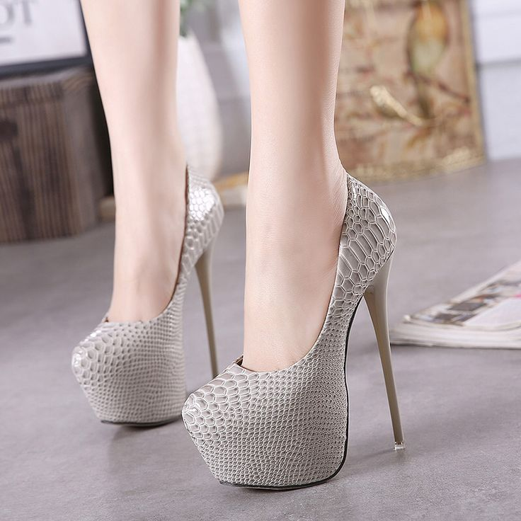 European and American style sexy hollow-out night club shows thin metal heels with high-heeled shoes, shining sequins and sandals