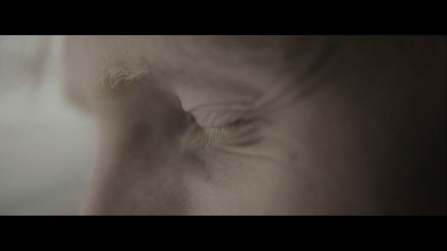 Sun Glitters - Beside Me by Victor Ferreira / Sun Glitters. Directed by Dan Sadgrove