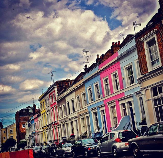 Reposting @out_of_the_office_dan: London #london #travelporn #travel #england #anglia #londyn #uk #nottinghill #tourism #ilovetravel #traveltheworld #tourist #amazing #beautiful #travelloco #betterthanfiction #venividiamavi #relax #dontworrybehappy #colours #walk #oneplus #visitengland #oneplus5 #autumn #jesień