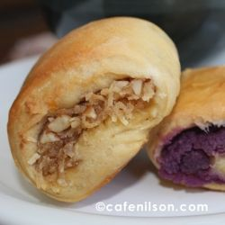Pan de Coco (shredded coconut filling) and Pan de Ube (purple yam filling): A Lasang Pinoy post.
