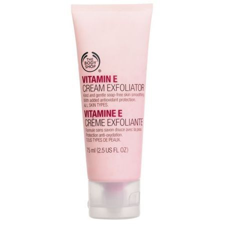 The Body Shop VITAMIN E CREAM EXFOLIATOR 75ML A light and creamy facial scrub to gently exfoliate without irritating the skin, leaving it feeling smooth, soft and refined. • Soap-free • For all skin types