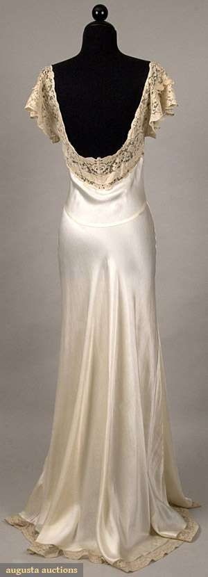 Back detail on silk and lace neglige, 1930s