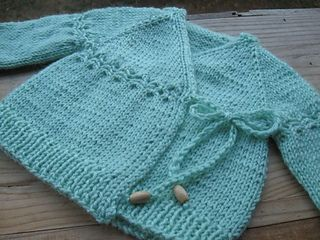 In a Pear Tree is a sweet little newborn cardigan with a few options and the freedom to make it special.