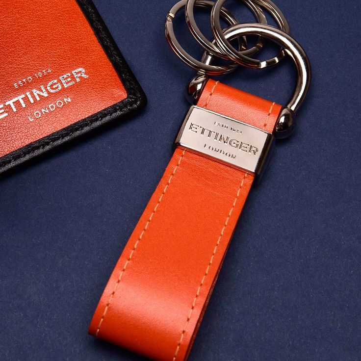 Ettinger London - Luxury Leather -Available in 16 colourways from our Bridle and Sterling collections • #ettinger #ettingerlondon #luxuryleathergoods #britishmade #leatherkeyring #keyring #silverhardware #royalwarrant #sterlingcollection #productlaunch