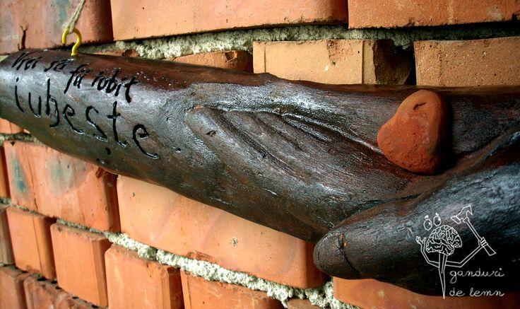 Wooden decoration (Decoratiune din lemn) DE003  http://ganduridelemn.cheilenereinfo.ro/decoratiune-d003/