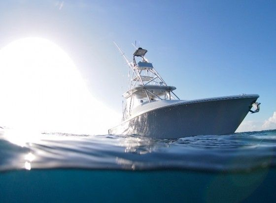 SeaVee 430 Fish-Around: Center console or cuddy cabin? Yes.  Two of the most popular offshore fishing boats are big center consoles and express sportfishers. But if your dock - or the budget - only has room for one, you can have the best of boat worlds with the SeaVee 430 Fish-Around.